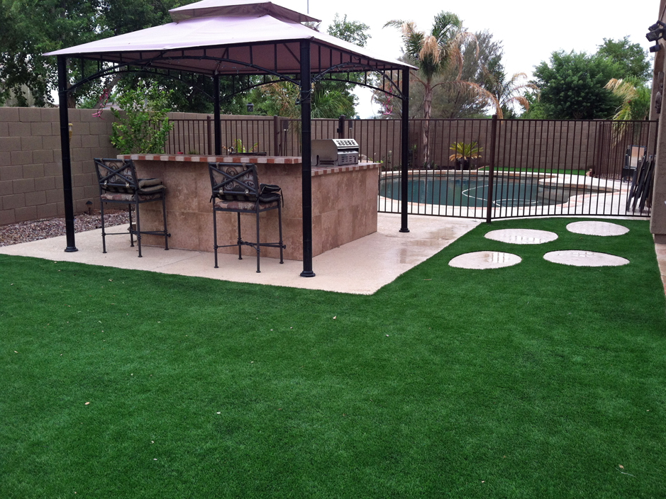 Synthetic Turf Supplier Plano, Texas Backyard Deck Ideas ... on Artificial Turf Backyard Ideas id=55094